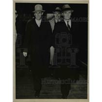1936 Press Photo Seattle-Harry Bridges met by M. Meehan at station. - nee58892
