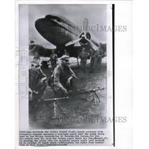 1961 Wire Photo The Dutch soldiers with the atomic weapons - cvw06929