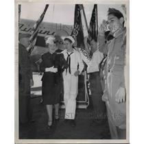1945 Press Photo Donald Maloney Coast Guard Hero Empire State Building Fire
