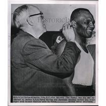 1952 Press Photo Jow Walcott & Doctor WBG Terry for bout vs Ezzard - nes38142