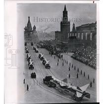 1963 Wire Photo The missile parade at the Red Square in Moscow - cvw09275