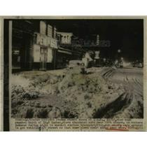 1948 Press Photo 19.6 Inches OF Snow Hit New York Streets of 8t Avenue