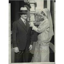 1930 Press Photo General Pershing and Miss Sarah Worthington - cva97641