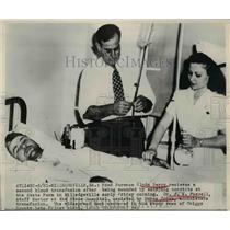 1949 Press Photo Injured Man Clyde Berry Receives Blood Transfusion, Georgia