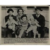 1953 Press Photo Unrelated German Youngsters adopted by Stephen Swift of Mass.