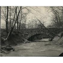 1924 Press Photo The Doan Brook Wade Park bridge - cva82421