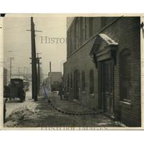 1922 Press Photo Scene of Ferry Cap & Serew Co Payroll Robbery - cva96527