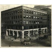1929 Press Photo The remodeled Anisfield building at Huron Road - cva85523