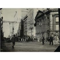 1930 Press Photo Early scene of the Euclid Avenue and E. 9th Street - cva97200