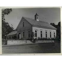1939 Press Photo Outside view, Bay Village Community Center, Ohio - cvb01654