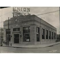 1928 Press Photo Union Trust Co. at Kinsman 140th Office in Cleveland.