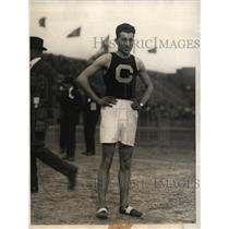 1923 Press Photo Columbia University's Walter Higgins wins 2 Mile Race