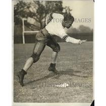 1930 Press Photo Stanford quarterback Harry Hillman at practice