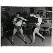 1935 Press Photo Paulino Uzcudun sparring at Orangeburg NY training - nes40010