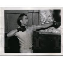 1939 Press Photo Gus Lesnevich training for bout vs Billy Conn in NY - nes40038
