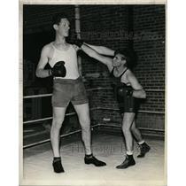 1939 Press Photo Boxer Warren Wilson, Arnold Grayson at Clemson College