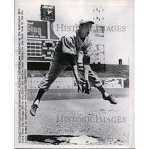 1951 Press Photo Tom Upton St Louis Browns infielder at practice - nes38964