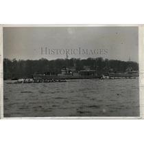 1932 Press Photo Navy varsity crew vs Columbia on Severern River race