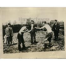 1928 Press Photo Barefist fighting at Turf Moors at Somerset England - nes39404