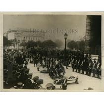1926 Press Photo Foot Guards of Connecticut at Tomb of Unknown Soldier, Paris