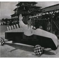 1950 Press Photo Race Driver Wilbur Shaw in Midget Coast Vehicle - ors02039