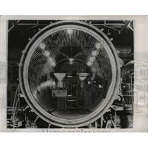 1947 Press Photo De Havilland Aircraft Comp Altitude Chamber in Hatfield England