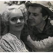 1941 Press Photo Virginia Gilmore and Dana Andrews in Swamp Water
