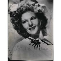 1943 Press Photo Mary Martin