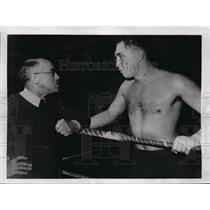 1938 Press Photo Sgt Francis Jacques & manager Robert Endeline at Paris gym