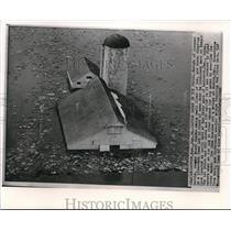 1962 Wire Photo Cattles Drowned in Icy Flood Shown Floating on Kemper Farm