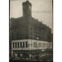 1914 Press Photo Public Clothes Building - cva85951