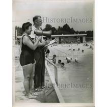 1962 Press Photo Mrs Ellen Trivanovich, Richard Jackson Red Cross water safety