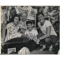 1948 Press Photo Mrs. Edward Trefzger with Leo and Edward at the soap box race