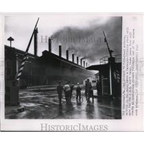 1946 Wire Photo Steel workers enter Carnegie-Illinois steel mill gate