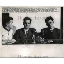 1956 Press Photo US turncoat Arlie Pate & Aaron Wilson at Hong Kong  - nee84664