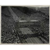 1946 Press Photo The huge crowd at the All American Soap Box Derby - cva79643