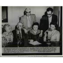 1953 Press Photo Relatives of Cpl Arlie Pate Korean POW who stayed in China