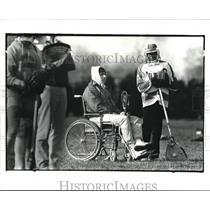 1983 Press Photo Brian Hanson on the Sideline During His Practice - cva93886