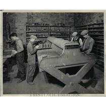 1929 Press Photo Setting up molds in Cleveland Trade School - cva97060