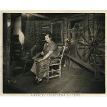 1931 Press Photo Mrs. Riley Fox, Kentucky mountain weaver. - cva83307