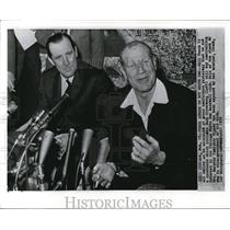 1959 Wire Photo Bill Veeck With hank Greenberg at the press conference
