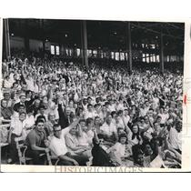 Press Photo Crowd inside the Stadium - cva95769