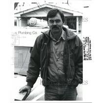 1988 Press Photo Andy Wyatt, plumber - cva77893