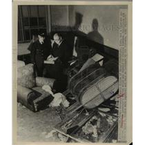 1948 Press Photo Hygo Kobe Japan governor Sachio Kisida & office damaged by riot