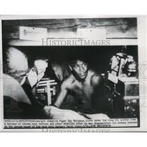 1951 Press Photo Middleweight champ Sugar Ray Robinson DQed vs G Hecht