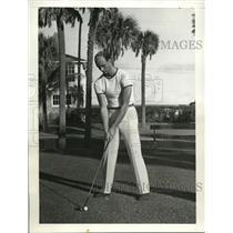 1938 Press Photo James Roosevelt Jr golfing at Palm Beach Florida - nes41542