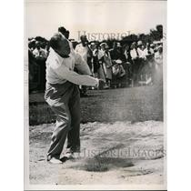 1938 Press Photo Leo Diegel in Cleveland Open golf in the sandtrap - nes41848