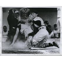 1960 Press Photo Pirates Bill Mazeroski out at home plate - nes41337 - nes41337