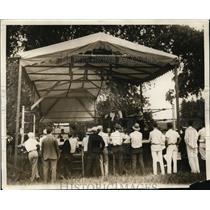 1929 Press Photo Paulino Uzcudun spars with Bud Howard at training in NY