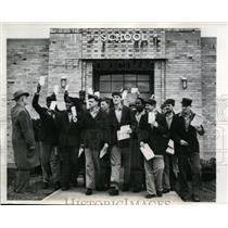 1949 Press Photo 61 Convicts Graduate from Grammar School at Stateville Prison